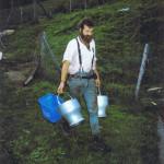 Peter mit Milchkannen